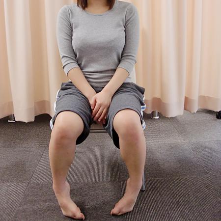 足首をひねって座る・クロスして座る